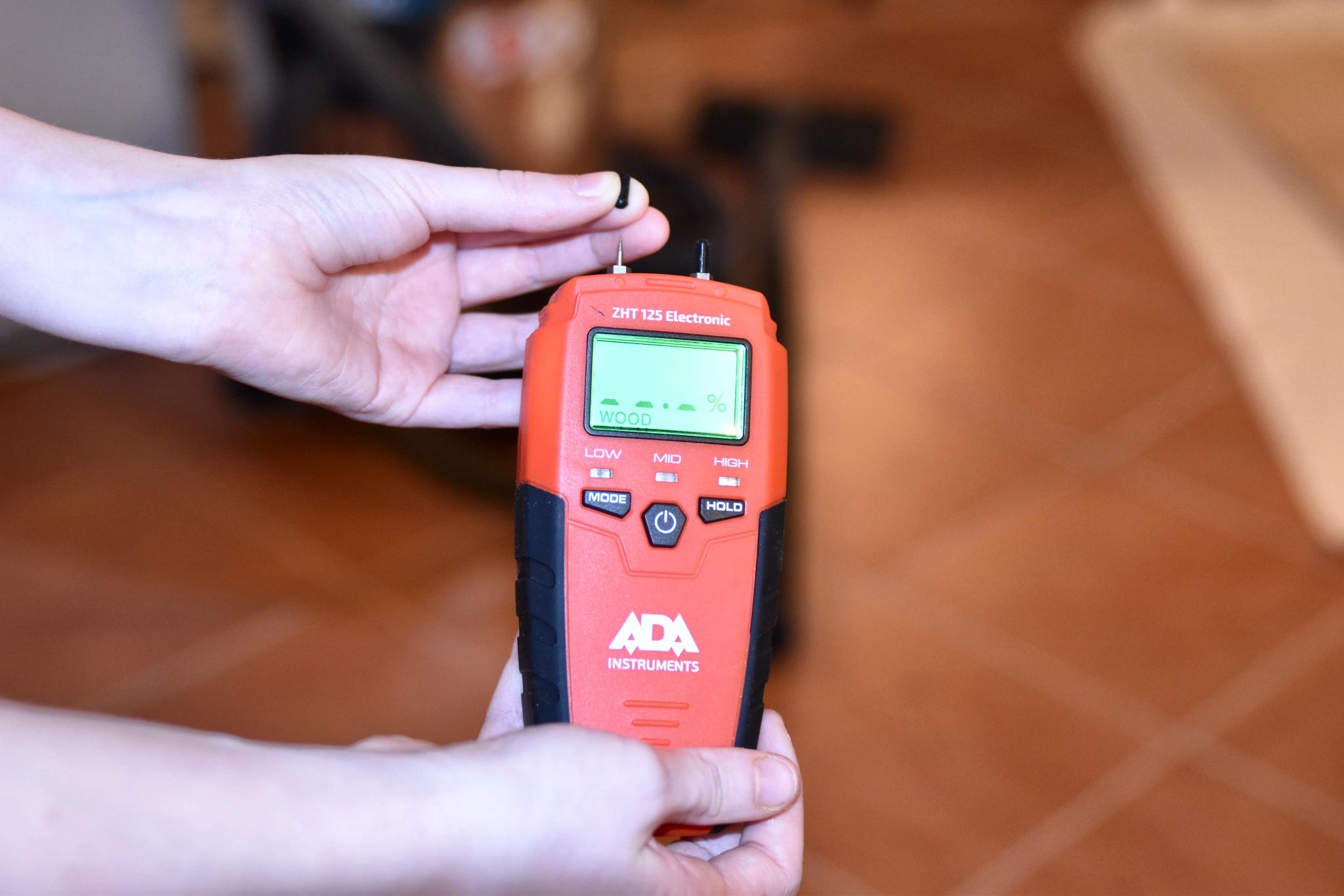 Измеритель влажности ADA
