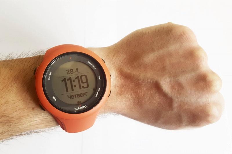 Suunto ambit 3 - это смарт-часы с gps-навигацией для занятия спортом.