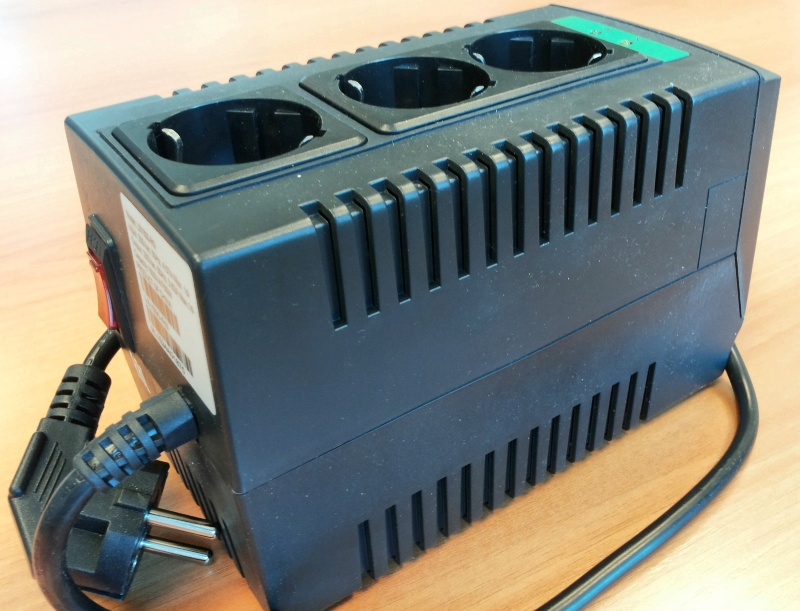 Стабилизатор напряжения APC Line-R LS1500-RS - изображение 12