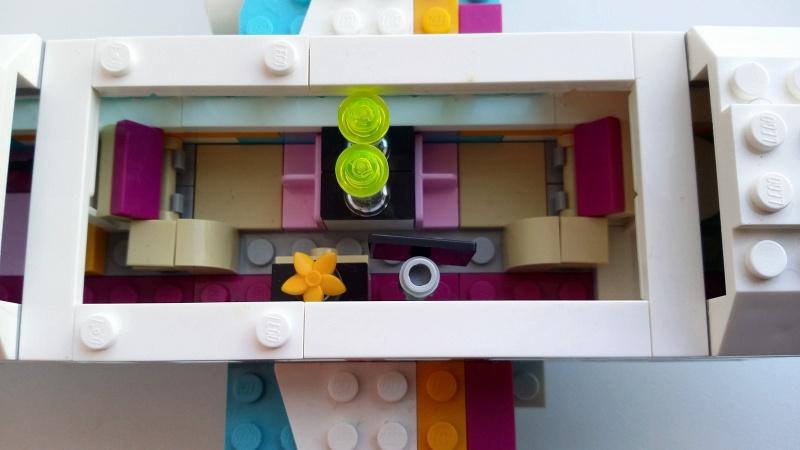 Обзор на Конструктор LEGO Friends 41100 Лего Частный самолет - изображение 7