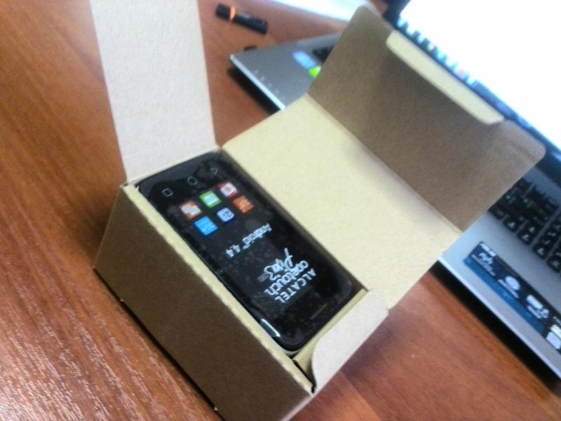 Обзор на Смартфон Alcatel PIXI 3(3.5) 4009D White Black - изображение 3