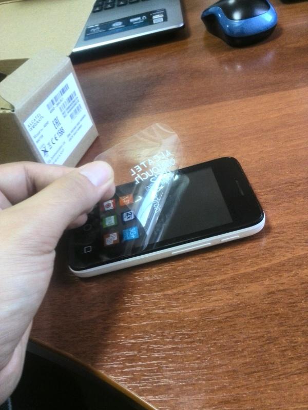 Обзор на Смартфон Alcatel PIXI 3(3.5) 4009D White Black - изображение 4