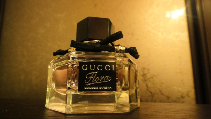 Обзор на Женская туалетная вода Gucci Flora Gardenia, спрей 30 мл - изображение 7