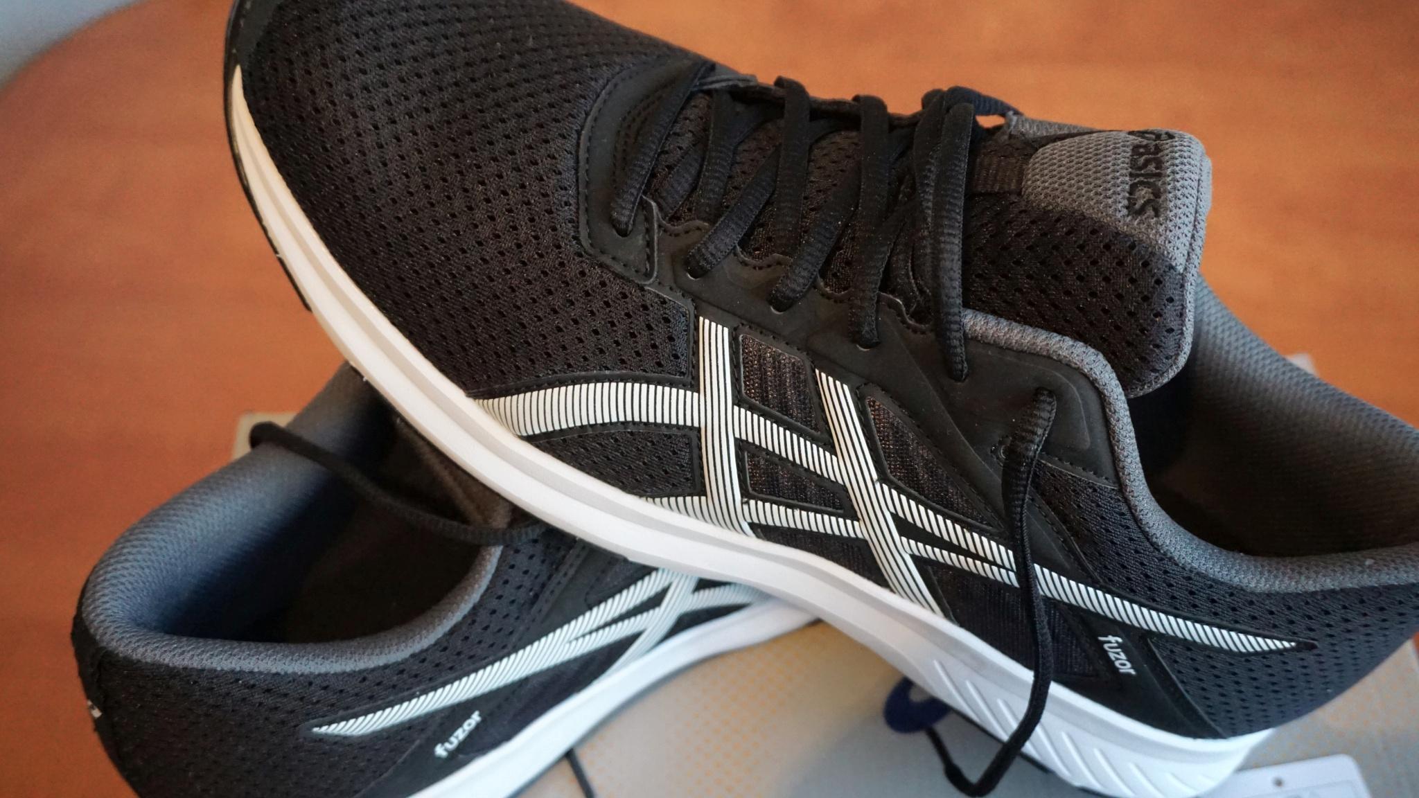 Как сделать чтобы кроссовки были на размер  29