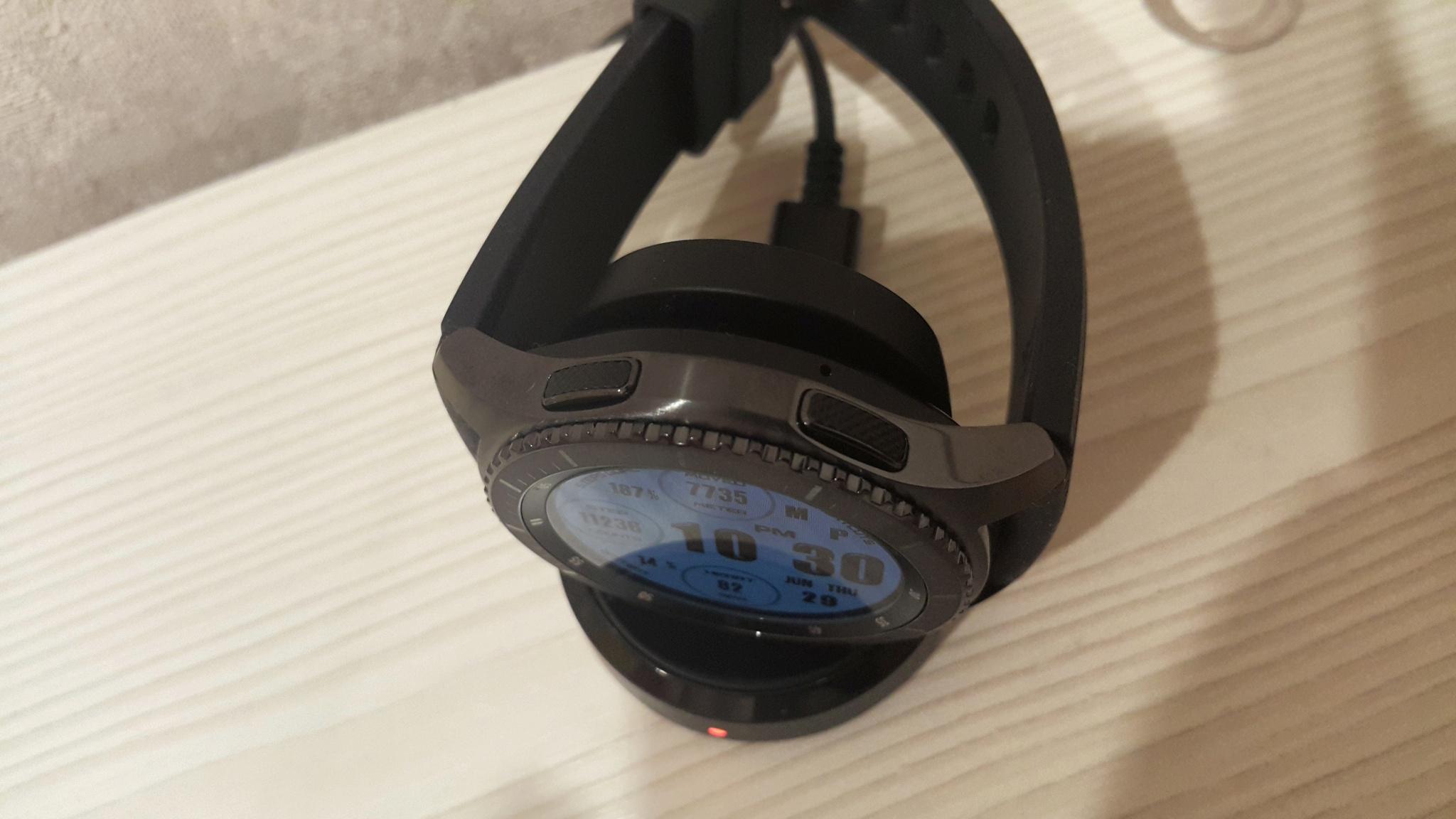 Samsung gear s3 frontier hintergrund