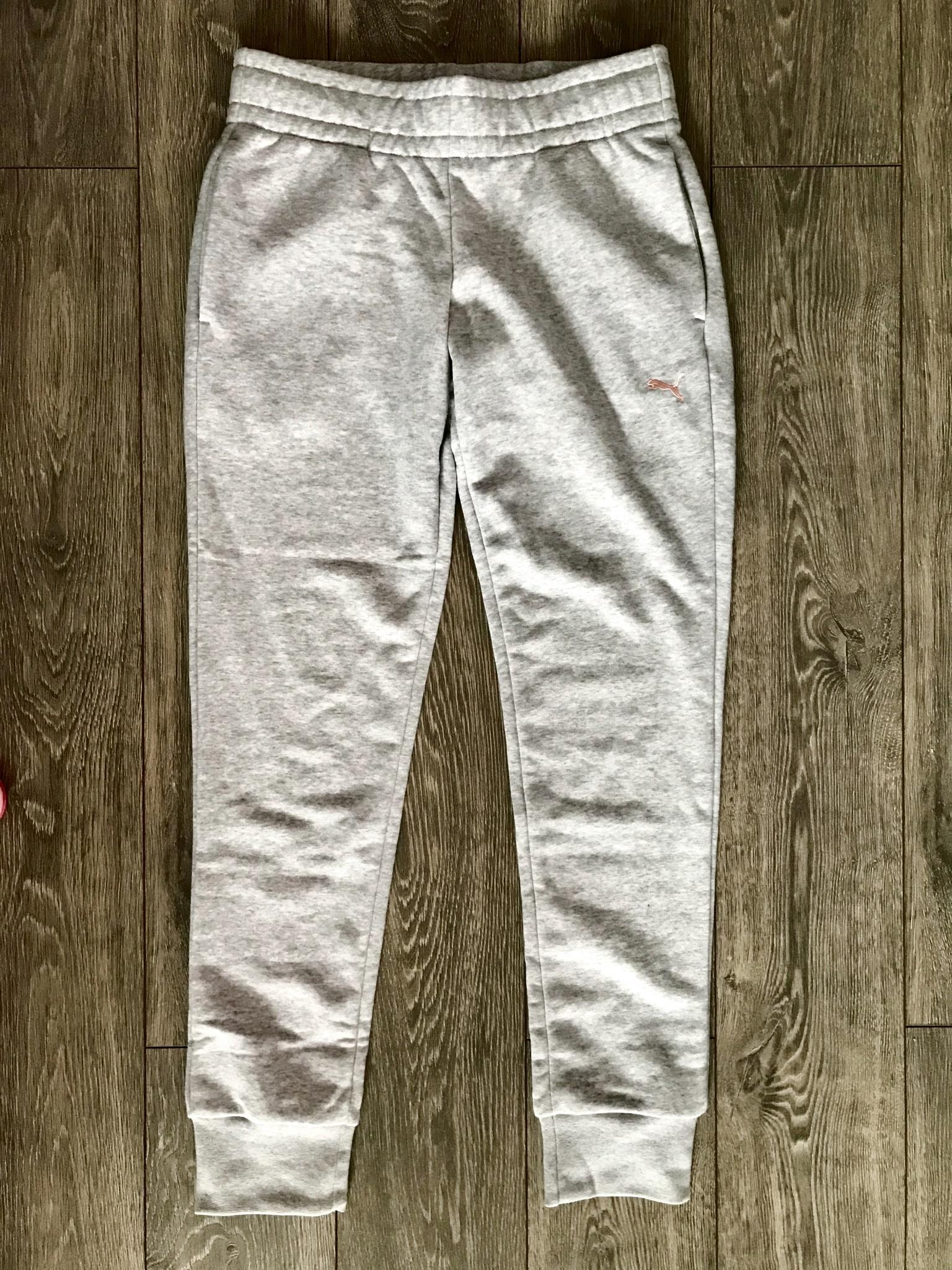 Обзор на Спортивный костюм PUMA 85021731 Classic Sweat Suit женский, цвет  серый-розовый, 16cbd33efee