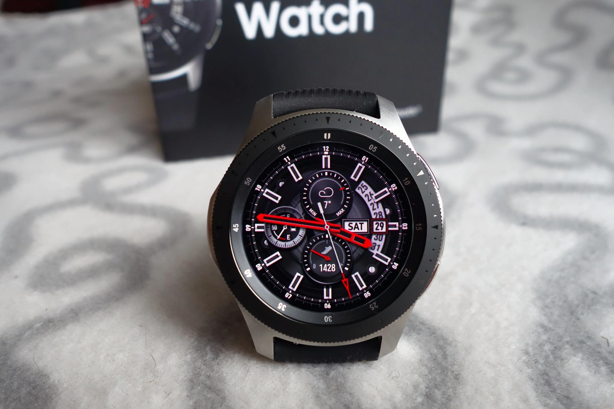 Обзор на Смарт-часы Samsung Galaxy Watch (46 mm) серебристая сталь -  изображение e2b0c4651f0d3