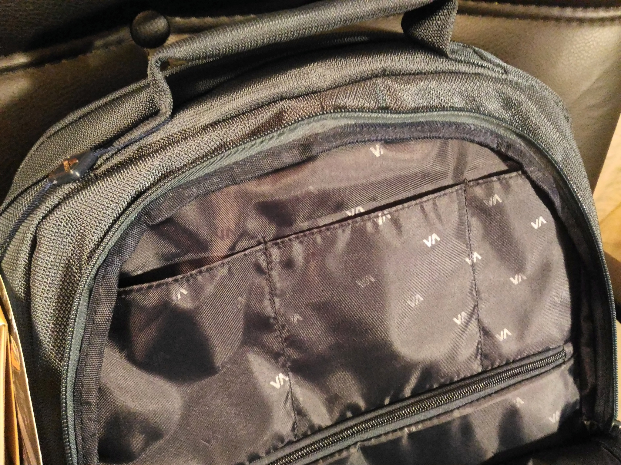 3215903ba8a1 Обзор на Рюкзак для ноутбука 17.3