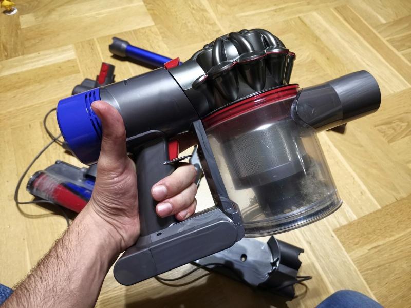 Дайсон как снять фильтр dyson насадка с мягким валиком
