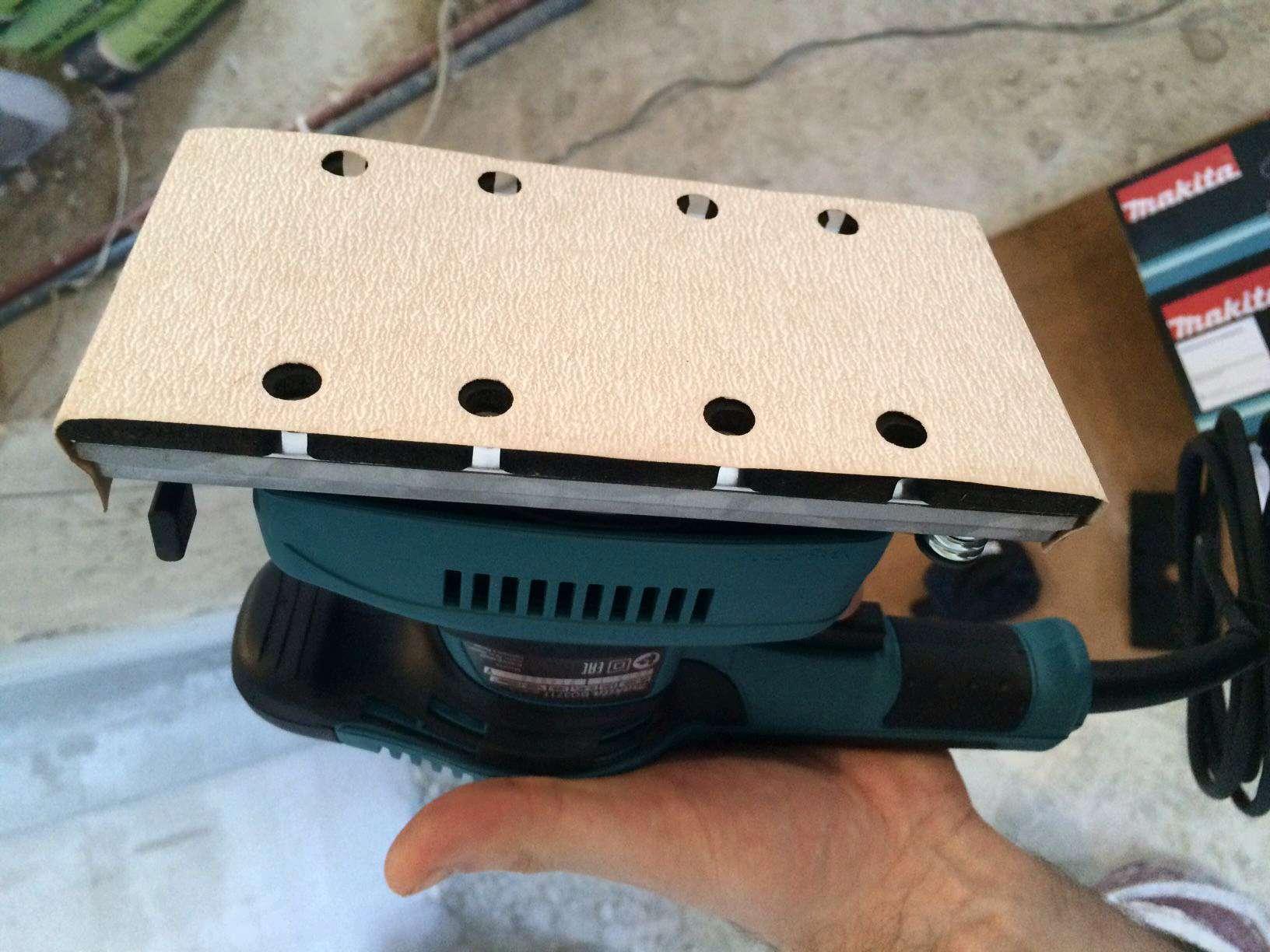 Виброшлифовальная машина Makita BO3710